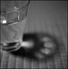 A água é um dos alimentos indicados durante a dieta líquida clara.