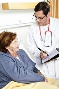 O acompanhamento pós-operatório é fundamental para garantir os resultados do tratamento e manter a saúde do paciente.