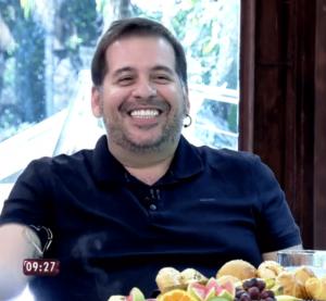 """Leandro Hassum durante entrevista no programa """"Mais Você"""". Clique na imagem para ver o vídeo."""