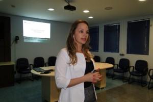 Dr Carina Rossoni