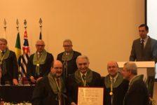 Arthur Garrido recebe Prêmio Benedicto Montenegro do CBC