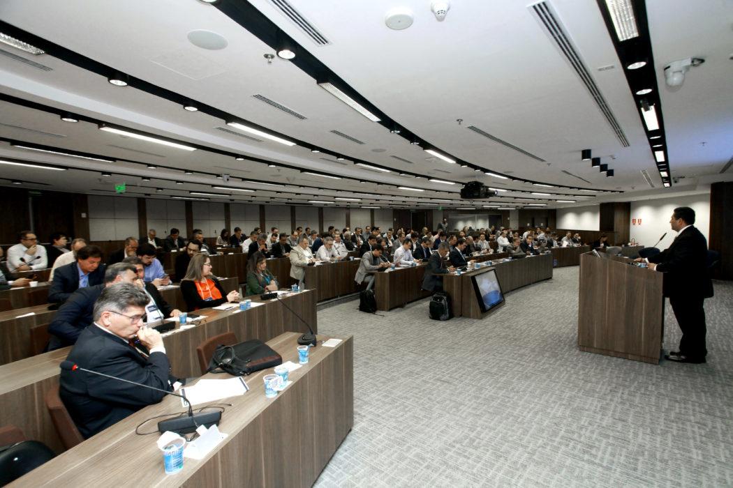III Simpósio de Cirurgia Robótica reúne 110 cirurgiões bariátricos em São Paulo