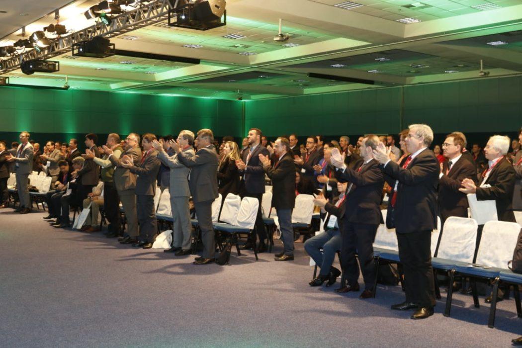 CONGRESSO  Dr. João Batista Marchesini emociona o público no XX Congresso Brasileiro de Cirurgia Bariátrica e Metabólica
