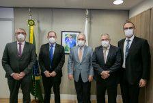 Tratamento cirúrgico da obesidade é tema de reunião com Ministro da Saúde
